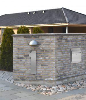 Store Husnumre med sølvagtig forkant